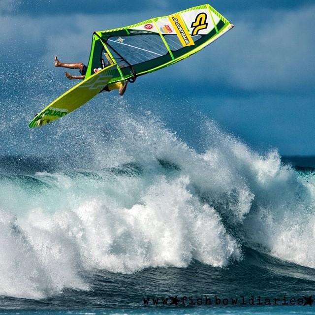 #wipeout #latergram #windsurfing #alohaclassic #hookipa #maui #hawaii #surf #nikon #d4 #nikond4 #watersports #extremesports
