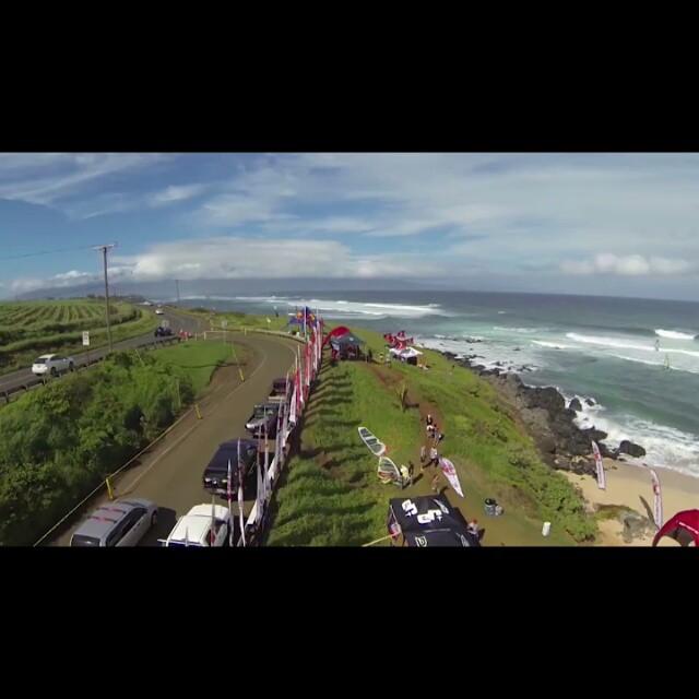 Гавайи - моя следующая маленькая мечта!  Только нужно немного потренироваться сначала.. Ну ладно-ладно, очень много потренироваться!  Оль, может организуешь кэмп через годик-полтора?  #Hawaii #HawaiianIslands #Maui #Hookipa #PacificOcean #PWA #AlohaClassic #RedBull #travel #vacation #windsurfing #surfing #kitesurfing #ocean #wave #video #ShareYourDreams #отпуск #путешествие #океан #виндсерфинг #серфинг @olyaraskina @egor_rus11 @tochiksurfer @seva_shulgin