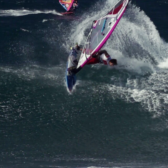 This is a 1-hand taka from the Champions for Charity event at the end of the PWA/AWT Aloha Classic World Cup. This isn't the best one of I've ever done, but it is definitely the best caught on film. Thanks to Joey Sanchez for filming. #Windsurfing #pwaworldtour #maui #continentseven #Hawaii